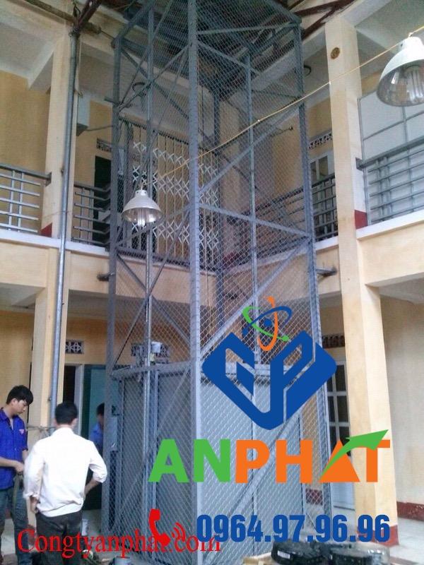 Lắp đặt, thang máy tải hàng cho nhà máy, xưởng sản xuất